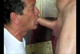 60Tão boqueteiro mamando vizinho