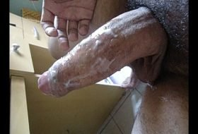 Maduro tomando banho de piroca dura