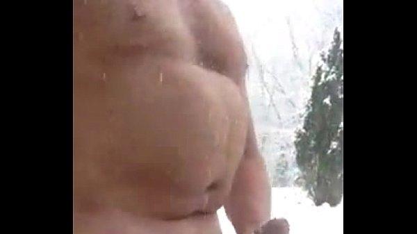 maduro dotado na neve