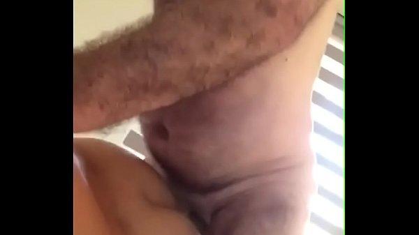 Coroa peludo gay fodendo novinho na cama