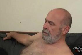 Transando com homem maduro gay ativo