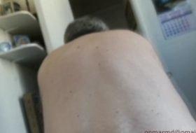 Coroa fazendo sexo oral no maduro gay ativo