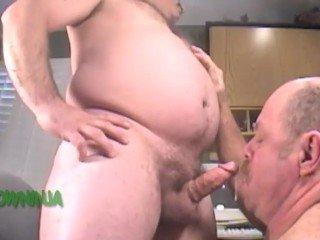 XXX Homens militares trasando sexo oral