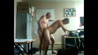 trasando com meu chefe gay no escritorio