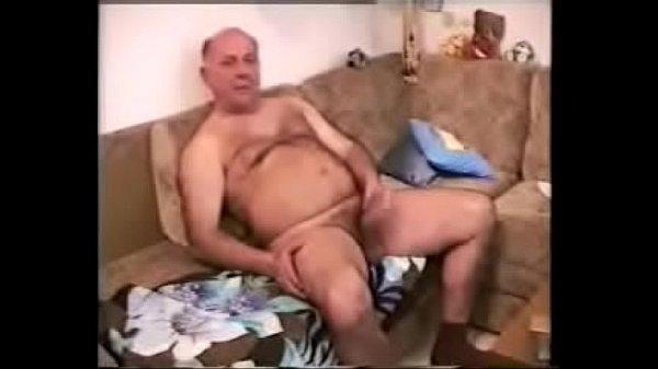 Vozão ativo comendo a bundinha do amigo seu neto